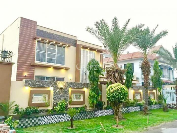 47 Marla House for Sale in Lahore Gulberg