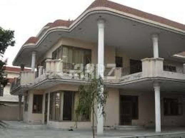 16 Marla House for Sale in Karachi Gulshan-e-iqbal Block-5