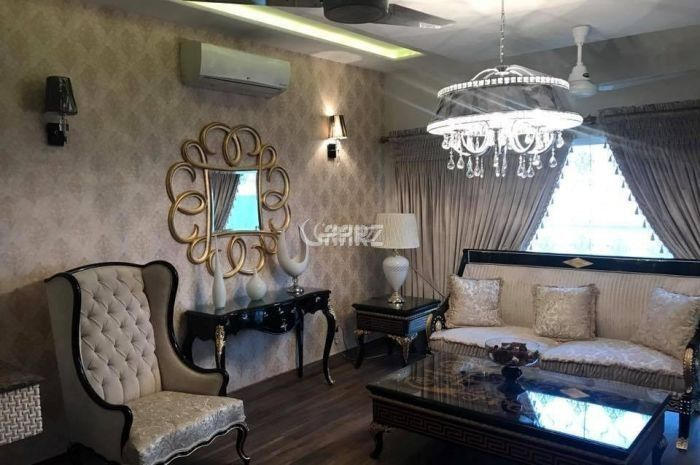 2100 Square Feet House for Sale in Karachi Clifton Block-8