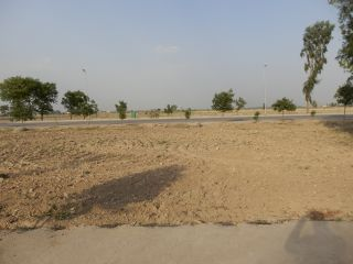 240 Square Yard Residential Land for Sale in Karachi Saadi Town