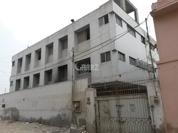 500 Square Yard Commercial Building for Sale in Karachi Sector-15