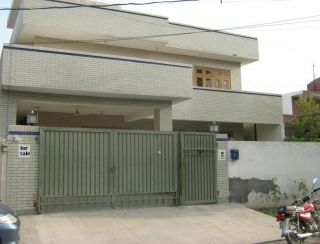 10 Marla House for Rent in Lahore Garden Town Sher Shah Block