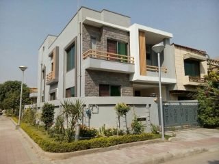 1000 Square Yard House for Sale in Karachi DHA Phase-5