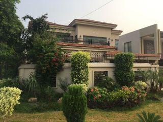 1000 Square Yard House for Sale in Karachi DHA Phase-6