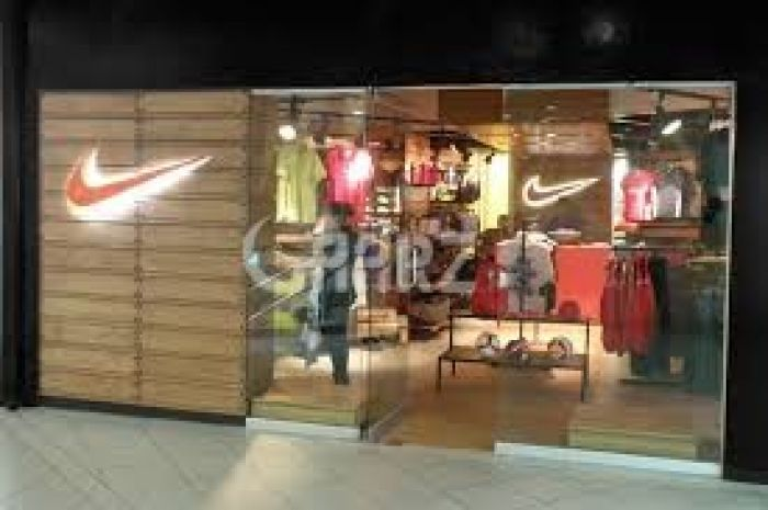 1575 Square Feet Commercial Shop for Rent in Lahore Gulberg