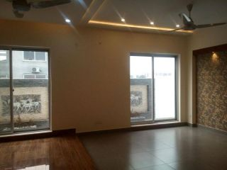 2400 Square Feet Apartment for Sale in Karachi DHA Phase-5