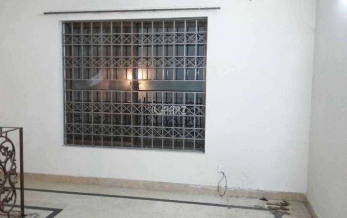 2880 Square Feet Upper Portion for Rent in Karachi DHA Phase-7