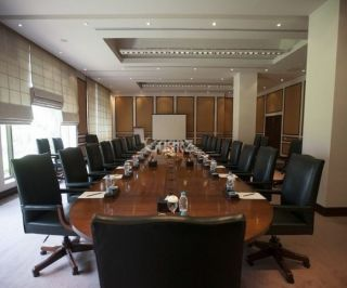 900 Square Feet Commercial Office for Rent in Lahore DHA Main Boulevard
