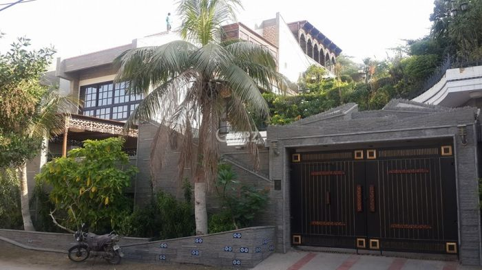 1.3 Kanal House for Sale in Lahore Liberty Market