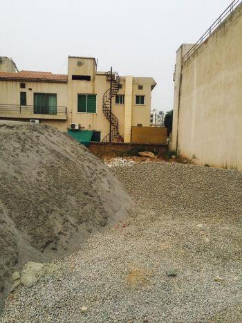 133 Square Yard Plot for Sale in Karachi Gulsuna-e-roomi