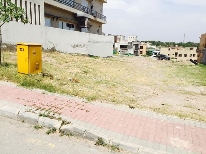 14 Marla Plot for Sale in Islamabad G-11/2