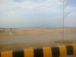 9000 Square Feet Plot for Sale in Karachi Bahria Town Precinct-18