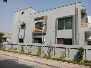 1 Kanal House for Sale in Lahore Phase-6 Block D