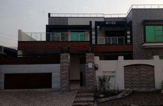 1 Kanal House for Sale in Lahore Phase-6, Block D