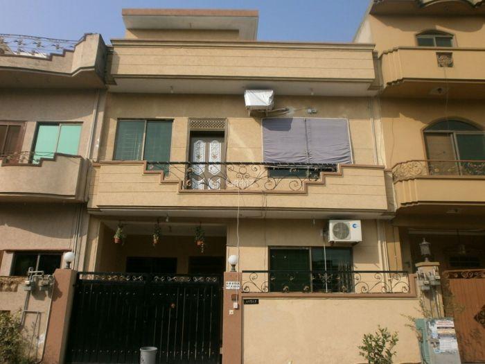 10 Marla House for Sale in Rawalpindi Gulraiz Phase-2
