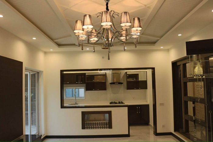 12 Marla House for Sale in Faisalabad Block D
