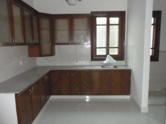 2100 Square Feet Apartment for Rent in Lahore Main Gulberg