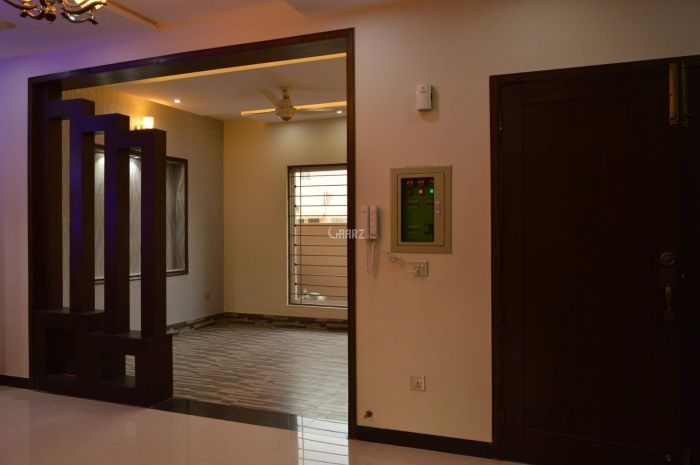 8 Marla House for Sale in Karachi P & T Colony