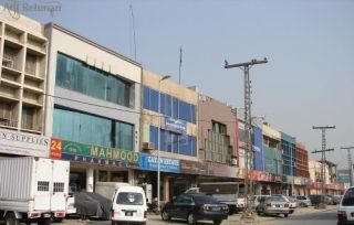 900 Square Feet Commercial Building for Rent in Lahore DHA Phase-3 Block Y