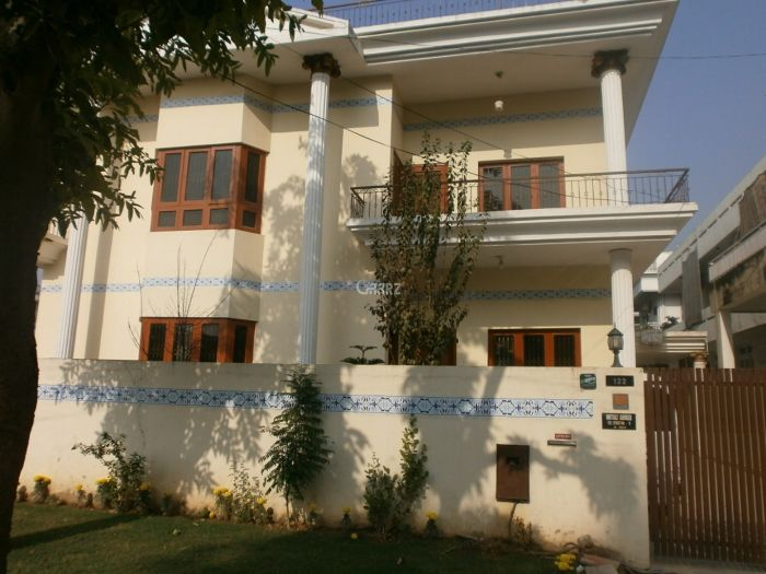 2.4 Kanal House for Sale in Lahore Gulberg-3