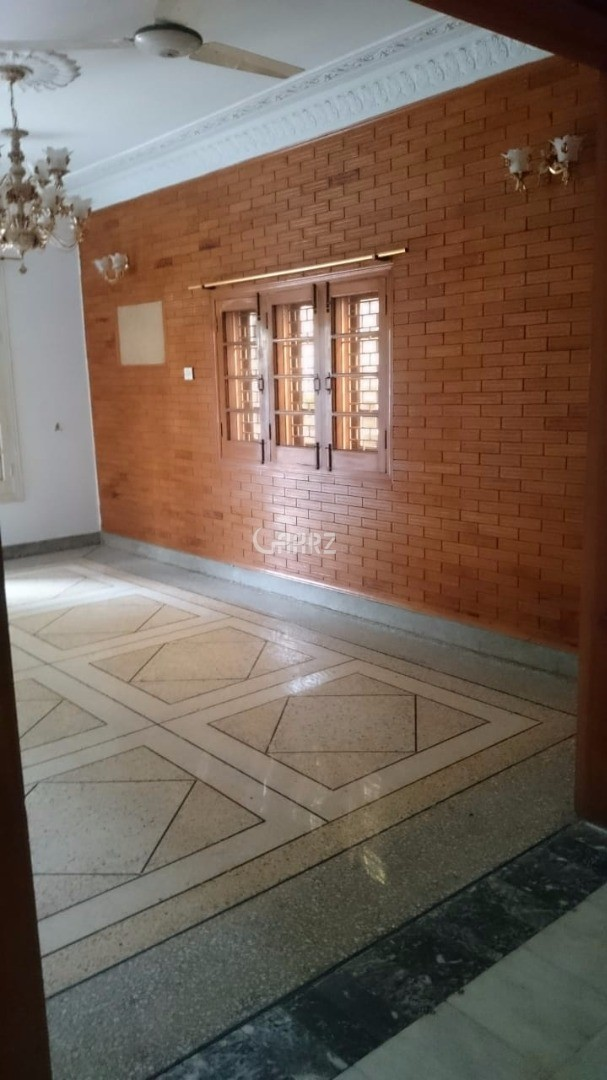 600 Square Feet Commercial Building for Rent