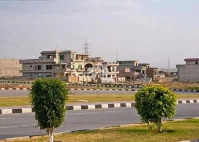 10 Marla Residential Land for Sale in Karachi Precinct-32 Bahria Town