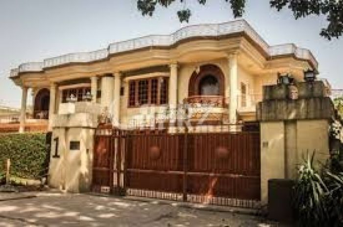 1050 Square Yard House for Sale in Karachi DHA Phase-5