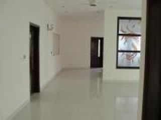 10 Marla Lower Portion for Rent in Lahore Lda Avenue
