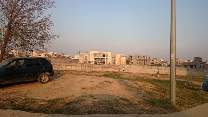 10 Marla Residential Land for Sale in Lahore Lake City Sector M-5