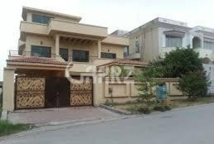 1.2 Kanal Upper Portion for Rent in Lahore Cavalry Ground Sector D