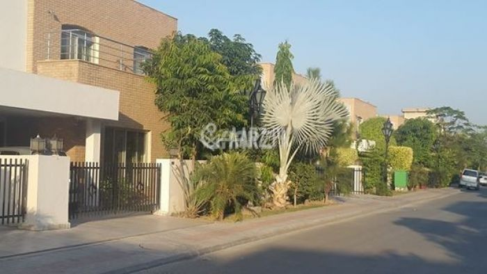 8 Marla House for Rent in Lahore Usman Block