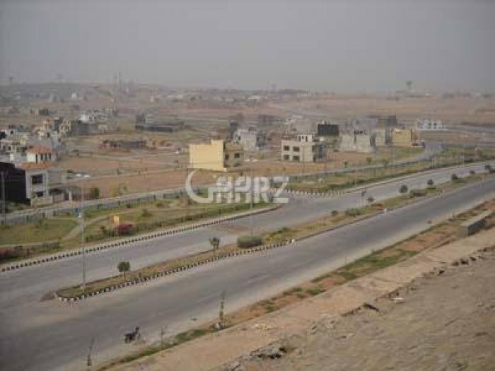 16 Marla Residential Land for Sale in Lahore Phase-8 Commercial Broadway