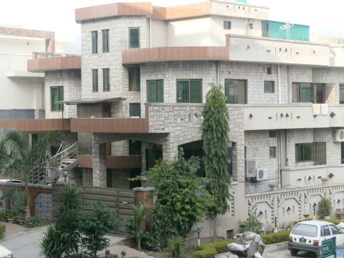 2.2 Kanal House for Sale in Lahore Main Canal Road