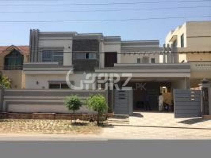 8 Marla House for Sale in Lahore Bahria Town Sector B