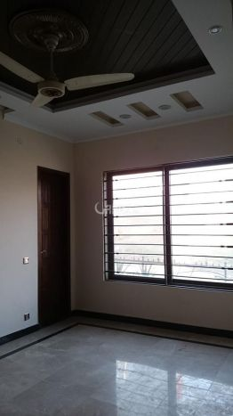 1600 Square Feet House for Sale in Karachi Gulshan-e-iqbal