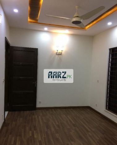 216 Square Yard upper portion  for Sale in Karachi Block-2