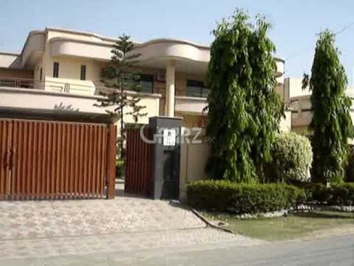 650 Square Yard House for Rent in Karachi DHA Phase-6