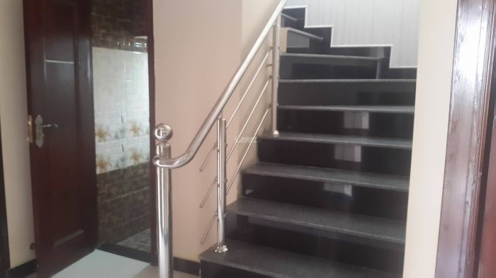 12 Marla Upper Portion for Rent in Lahore Valencia Housing Society
