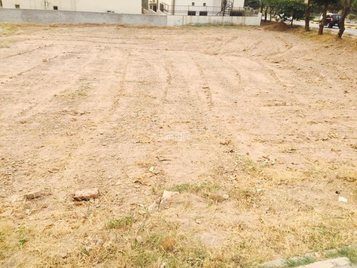 6 Marla Plot for Sale in Islamabad Park View City Main Road Plots
