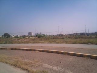 500 Square Yard Residential Land for Sale in Karachi DHA Phase-8