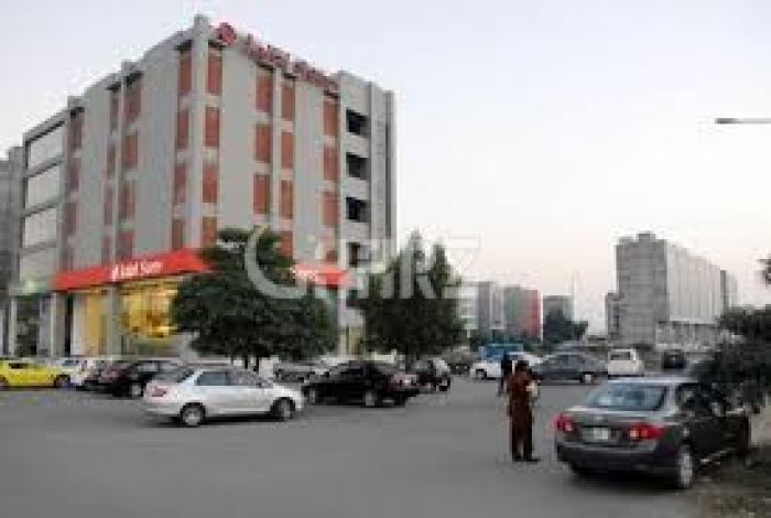 8 Marla Commercial Building for Sale in Lahore DHA Phase-3 Block Y