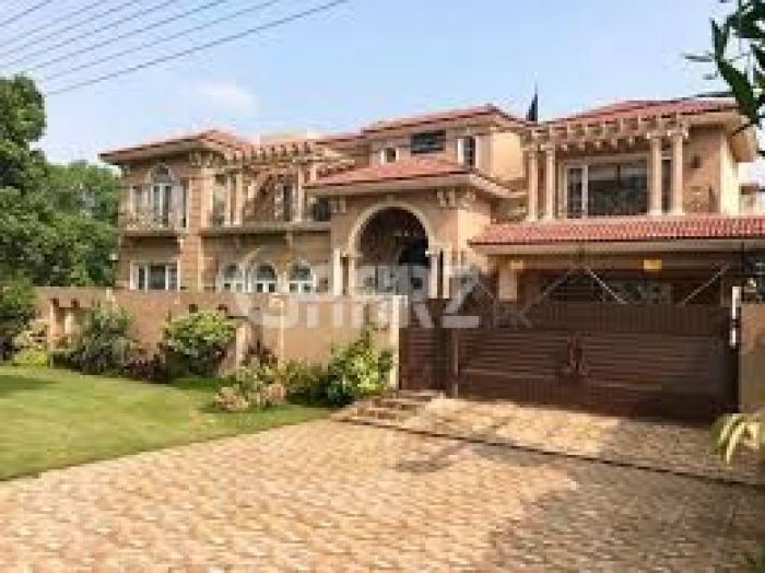 8.5 Kanal House for Sale in Lahore Sarwar Colony Cantt