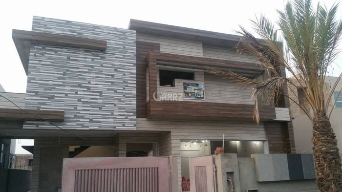 600 Square Yard House for Sale in Islamabad I-8