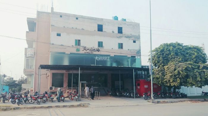 20 Marla Commercial Building for Sale in Sargodha Commisioner Road