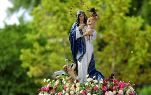 Fiesta de Nuestra Señora de los Navegantes lleva multitud de fieles a las calles de Puerto Alegre, Brasil