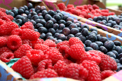 Picture of raspberries and blueberries.