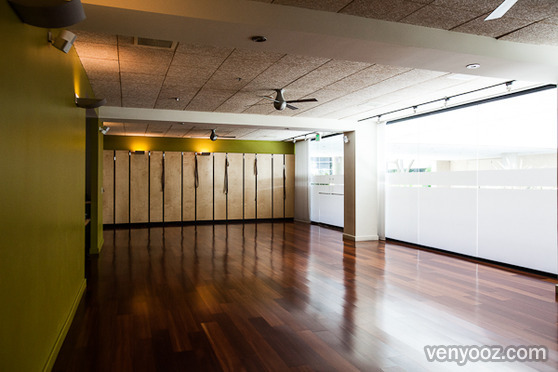 Yoga Studio At Truyoga Santa Monica Ca Venyooz