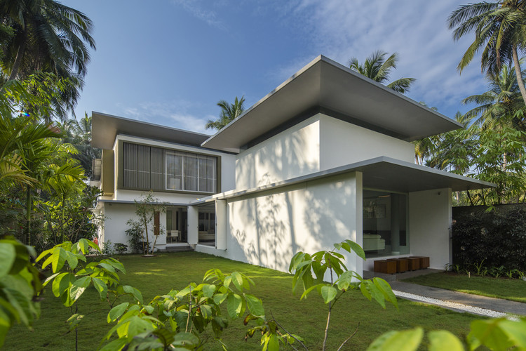 Pictures House the floating parasol house / lijo.reny.architects | archdaily