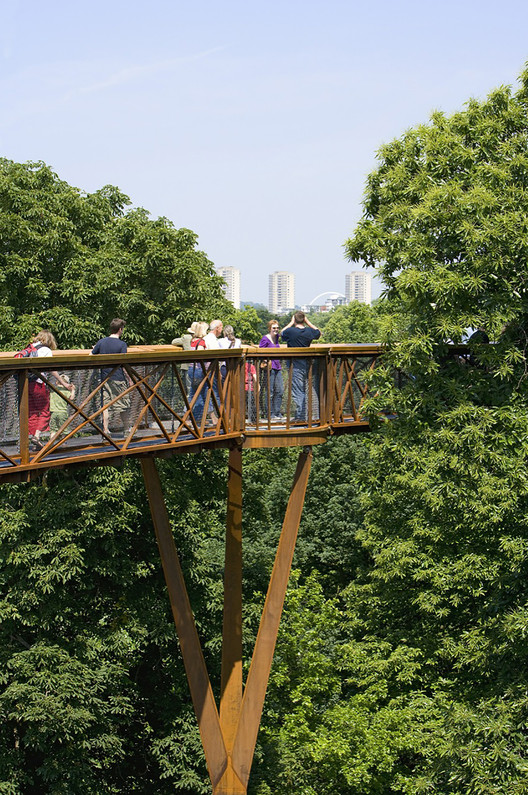 Kew Tree Top Walkway & Rhizotron. Image © Peter Durant