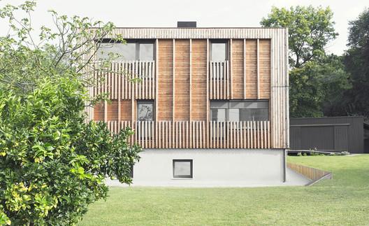 Vivienda bifamiliar en Galdakao / PAUZARQ Arquitectos. Image Cortesía de Premio Peña Ganchegui